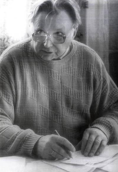 Girkalių (prieš tai Černiachovskio) kolūkio vyriausias buhalteris Kurtas Kapustas. Portretinė nuotrauka / Bernardas Aleknavičius. - 1990