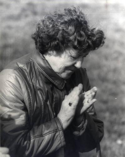 Mokytoja Rūta Kėkštaitė-Mačiūnienė. Portretinė nuotrauka / Bernardas Aleknavičius. - 1990