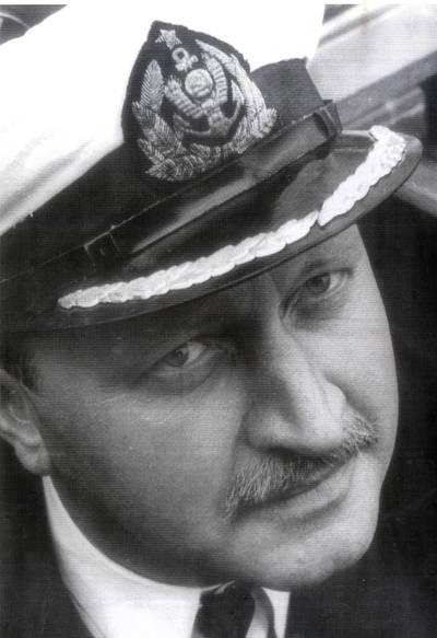 Jūrų kapitonas Vilius Pakalniškis. Portretinė nuotrauka / Bernardas Aleknavičius. - 1974