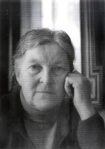 Alfrida Kybrancaitė-Pavinkšnienė. Portretinė nuotrauka / Bernardas Aleknavičius. - 1988