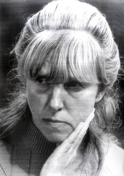 Tautodailininkė Lidija Meškaitytė. Portretinė nuotrauka / Bernardas Aleknavičius. - 1976