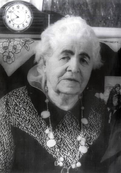 Tarnautoja Lidija Bajoraitė. Portretinė nuotrauka / Bernardas Aleknavičius. - 1980