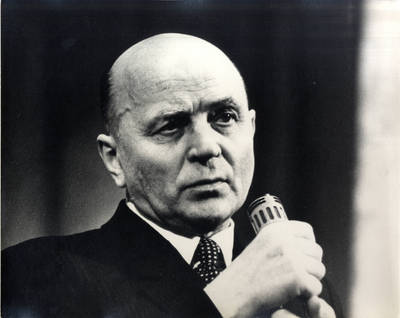 Rašytojas Juozas Baltušis. Portretinė nuotrauka / Bernardas Aleknavičius. - 1972.XI.25
