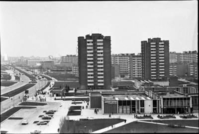 [Debreceno prekybos centras ir Taikos prospekto panorama. Klaipėda] / Audronius Ulozevičius. - 1983