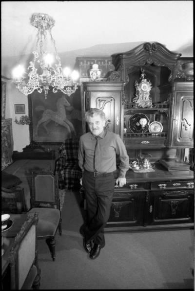 [Meninių baldų restauratorius Alfonsas Gudzevičius] / Audronius Ulozevičius. - 1988