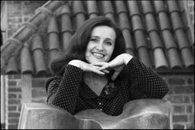 [Operos solistė Viktorija Plaktinaitė] / Audronius Ulozevičius. - 1978