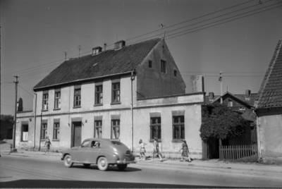 [Namas, kuriame 1931-1938 m. gyveno ir kūrė rašytoja Ieva Simonaitytė. Tilžės g. 11. Klaipėda] / Bernardas Aleknavičius. - 1966