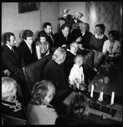 [Žvakių vakaro su rašytoja Ieva Simonaityte fragmentas. Priekulė] / Bernardas Aleknavičius. - 1969.XI.29