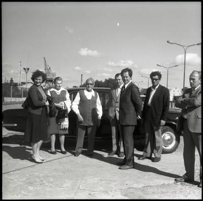 [Rašytojos Ievos Simonaitytės apsilankymas Klaipėdos uoste] / Bernardas Aleknavičius. - 1977.IX.5