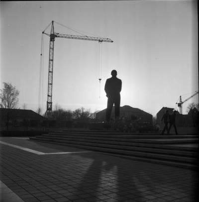 [Lenino paminklas Lenino (dab. Atgimimo) aikštėje 1982 m. Klaipėda] / Bernardas Aleknavičius. - 1982.IV