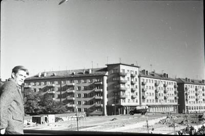 [Pastatai Dangės upės krantinėje Uosto (dab. Naujoji uosto) ir Dangės gatvių sankirtoje 1964 m. Klaipėda] / Bernardas Aleknavičius. - 1964