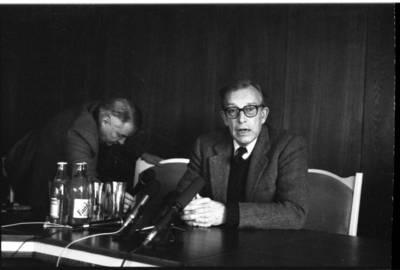 [Kandidatas į Lietuvos prezidentus, diplomatas Stasys Lozoraitis Klaipėdoje] / Bernardas Aleknavičius. - 1993