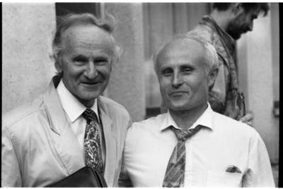 [Architektas Algimantas Nasvytis ir skulptorius Regimantas Midvikis] / Bernardas Aleknavičius. - 1993.V.14