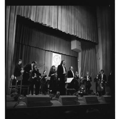 [Lietuvos kamerinis orkestras šeštojo Klaipėdos muzikos pavasario scenoje] / Bernardas Aleknavičius. - 1981