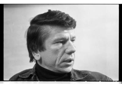 [Prozininkas, dramaturgas, bibliografas, skulptorius Juozas Šikšnelis] / Bernardas Aleknavičius. - 1990