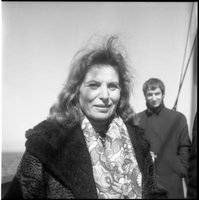 [Teatro aktorė, teatrologė, televizijos ir radijo diktorė, laidų vedėja Danutė Julija Rutkutė. Klaipėda] / Bernardas Aleknavičius. - 1975