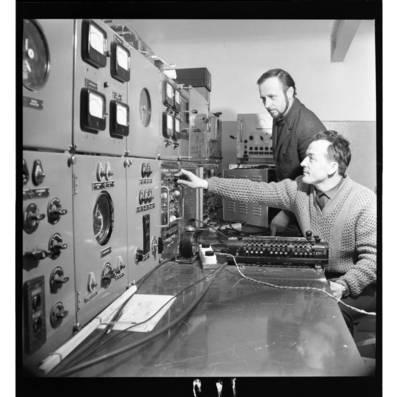 [Klaipėdos probleminės jūrų elektrinės žūklės laboratorijos įrengimai] / Bernardas Aleknavičius. - 1970