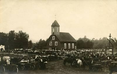 Nežinomas fotografas. Dauginių Šv. vyskupo Stanislovo bažnyčios konsekravimo šventė. 1943-09-19