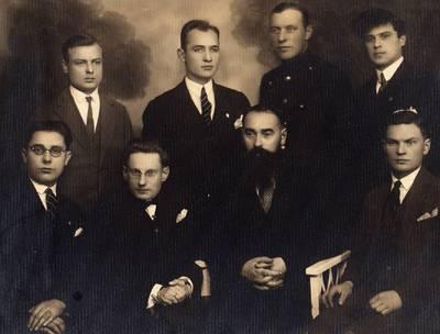 Šiaulių paštininkai su viršininku Petru Rasteika. 1934