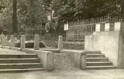 Nežinomas autorius. Žuvusiųjų 1923 m. Klaipėdos sukilime kapavietė. 1924