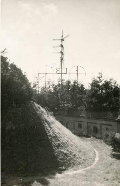 Nežinomas autorius. Klaipėda. Vėjo semaforas ir signalinė stotis laivams Kopgalyje. 1940