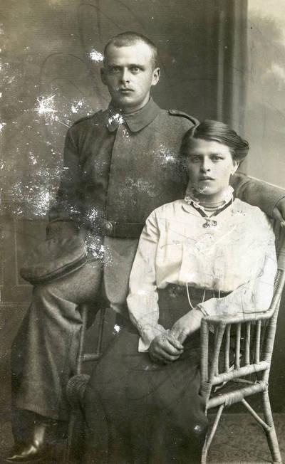 Carl Anders. Ana Korner su broliu Klaipėdoje. 1916