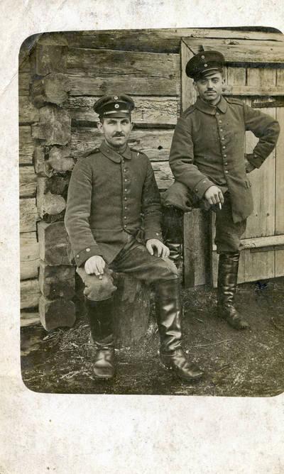Nežinomas autorius. Prūsijos armijos karys Paulas Maibaumas (kairėje) su draugu Pirmojo pasaulinio karo metais. 1918