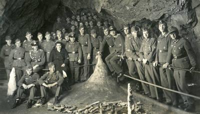 Nežinomas autorius. Vokietijos armijos lazarete besigydančių karių išvyka į Harco kalnus. 1943