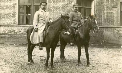 Nežinomas autorius. Vokietijos armijos kariai prie Raudonės pilies I pasaulinio karo metu. 1916