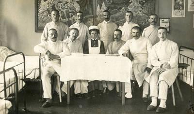 Nežinomas autorius. Sužeisti vokiečių kariai gydosi karo ligoninėje Naujųjų metų išvakarėse. 1917