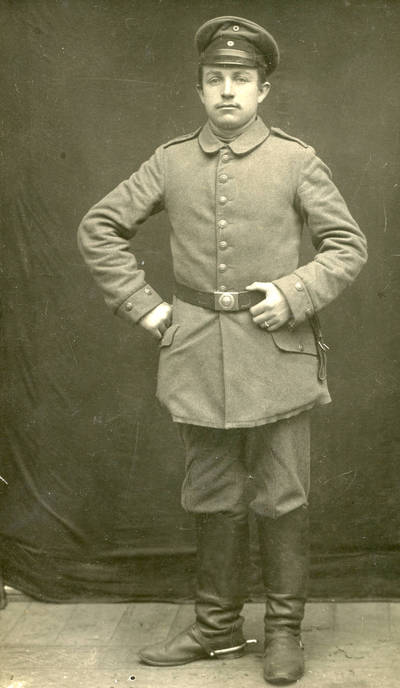 Nežinomas autorius. Mikas Simonaitis iš Gropiškių kaimo (Klaipėdos apskr.) – Vokietijos imperijos pėstininkų pulko karys. 1914