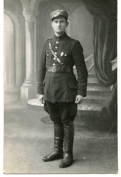 Nežinomas autorius. Lietuvos kariuomenės karys M. Kiauna. 1929