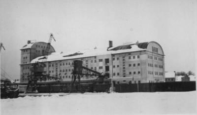 """Nežinomas autorius. AB """"Lietūkio"""" sandėlis Klaipėdos Žiemos uosto rajone. 1938"""