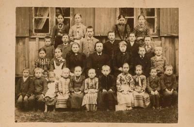 Nežinomas fotografas. Nuotrauka. A. Storosta su mokiniais. 1873