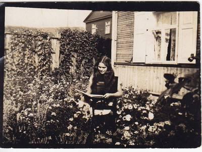 Nežinomas fotografas. Nuotrauka. Salomėja Nėris. 1928