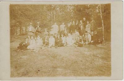 """Nežinomas fotografas. Nuotrauka. Studentų ateitininkų """"Šatrijos"""" meno draugijos nariai. 1927-05-29"""
