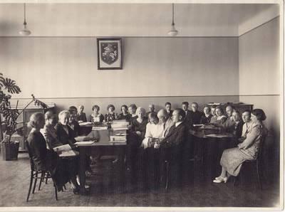 Nežinomas fotografas. Nuotrauka. Panevėžio valstybinės mergaičių gimnazijos mokytojų taryba. 1936-06