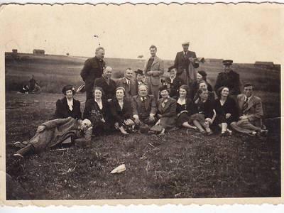 Nežinomas fotografas. Nuotrauka. Kauno III-osios valstybinės gimnazijos mokytojai kelionėje. 1940
