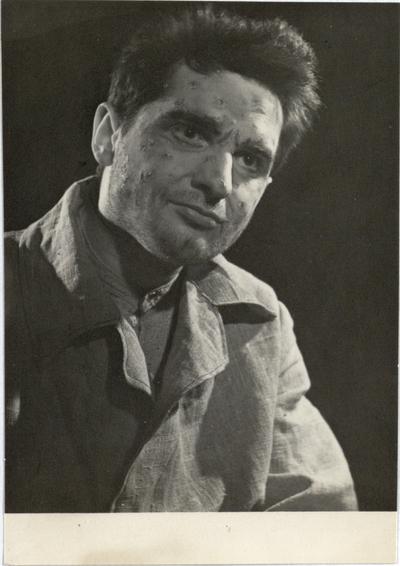 """Šiaulių dramos teatro spektakliai (1931-2000). Žentas. [Scena iš spektaklio """"Žentas"""", Skylys - akt. R.Gudas] / Vincas Krėvė"""