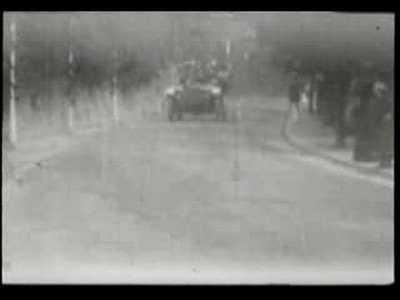 Kaiser Wilhelm II. im Auto