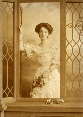 Elsie Young (nee Higginson)