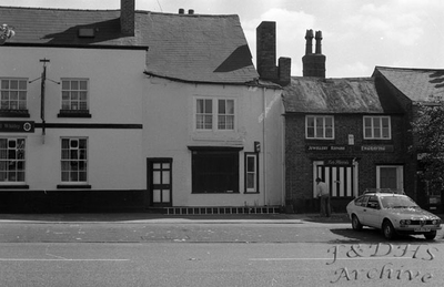 Queens Head Inn,  Main Street, Frodsham