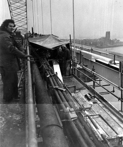Construction of Widnes Runcorn bridge.
