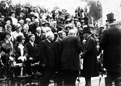 Local dignitaries meeting King George V at the Transporter Bridge.