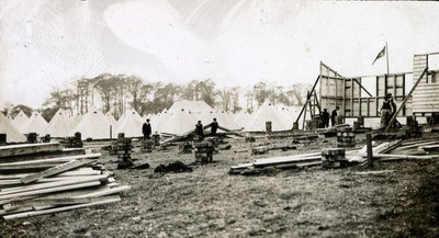 Men from the Pals Battalions building hutments