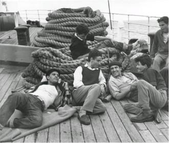 Voyage dans le  bateau `Jérusalem` vers Israel