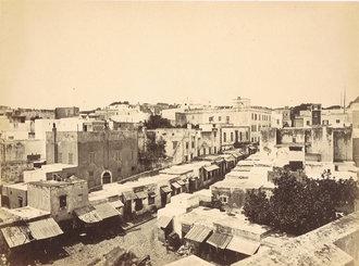 Rue principale vue d'une terrasse