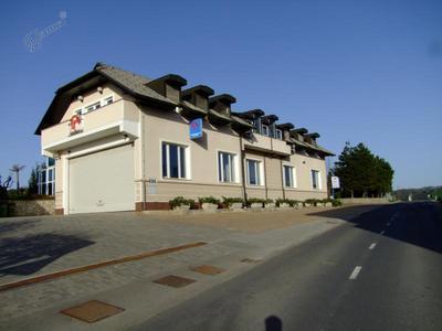 Poslovna stavba Avtotransporti Kastelec