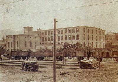 Predilnica in tkalnica v Litiji leta 1902