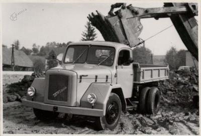 Tovornjak prekucnik TAM 5000